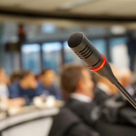 """Konference na téma """"Rozvoj a inovace finančních produktů"""""""